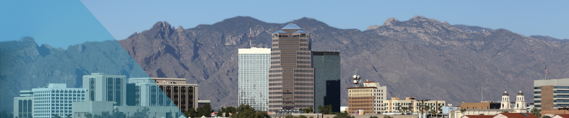 Tucson skyline with mountains behind